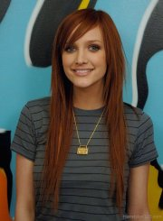 ashlee simpson long hairstyle