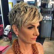 2018 haircuts older women over