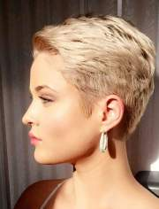trend short haircuts 2018-2019