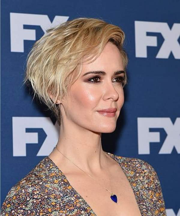 30 Medium Short Hairstyles For Women Over 50 2018 Hairstyles