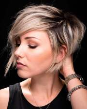 asymmetrical short hair 2018