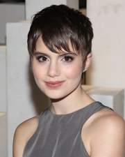 short hairstyles & hair colors