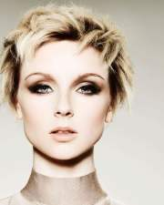 short hairstyles & hair colors