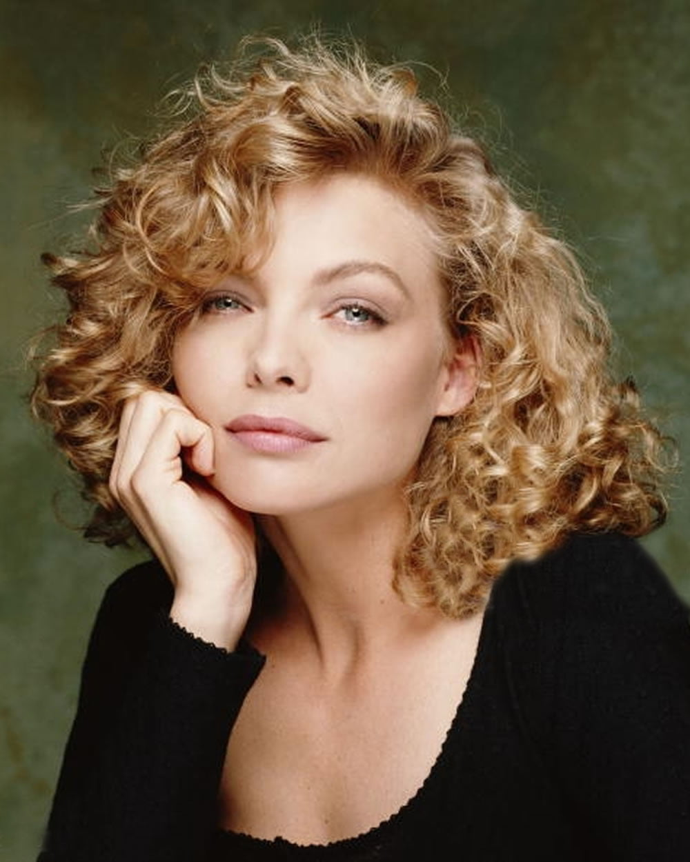 Curly  Wavy Haircuts for Older Women 20182019  Medium
