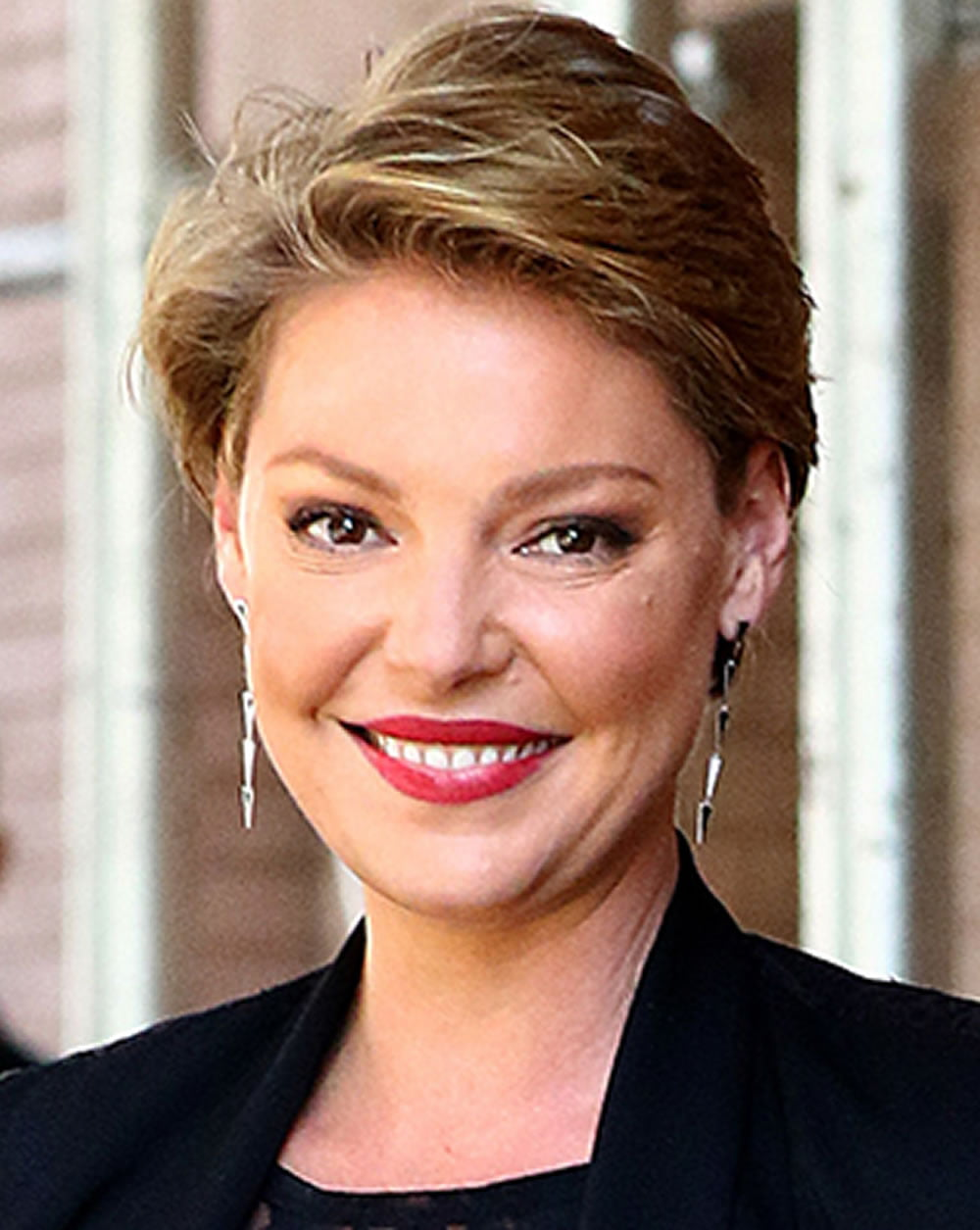 23 Easy Short Hairstyles for Older Women  You Should Try  Page 7  HAIRSTYLES