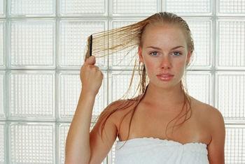 7 signs of thinning hair in women hair transplant dubai
