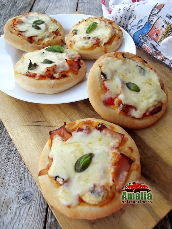 Mini pizza pufoase 6