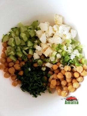 Salata-de-naut-cu-castraveti-si-feta-2