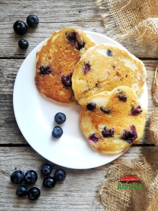 Pancakes-cu-afine-2