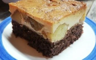 Tort-rasturnat-cu-mere-banane-si-crema-de-zahar-ars-1