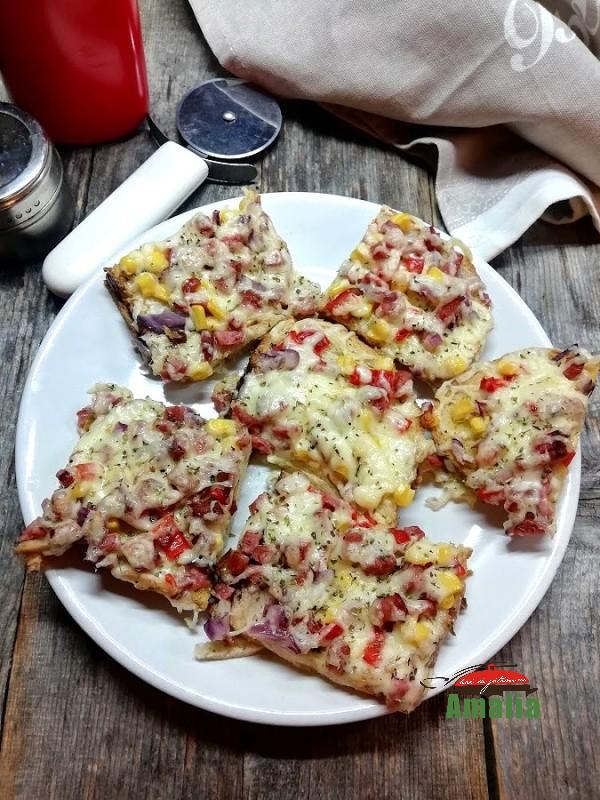 Pizza-pe-felii-de-paine-amalia-1