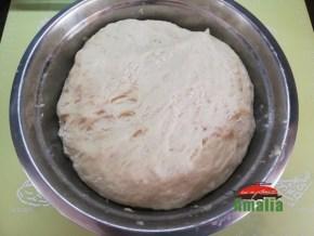 Chifle-cu-lapte-amalia-aluat-2