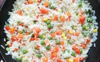 Orez cu amestec de legume mexicane