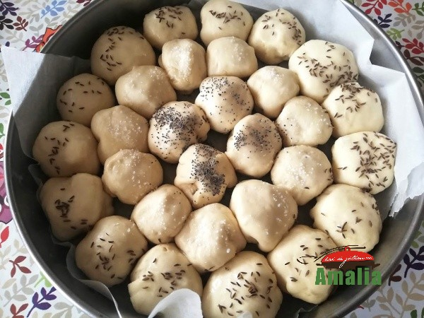 Bile-pufoase-cu-mozarella-amalia-9