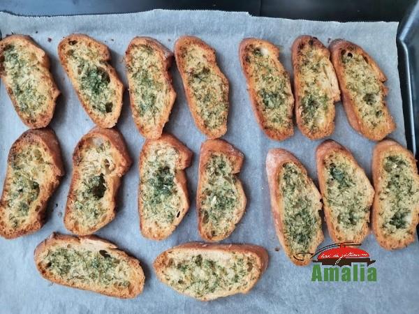Paine-prajita-cu-usturoi-amalia-5
