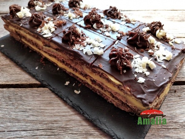 Prăjitura-felie-de-ciocolata-amalia-10