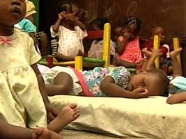 Haïti - Social : Chaque mois le Gouvernement ferme des orphelinats