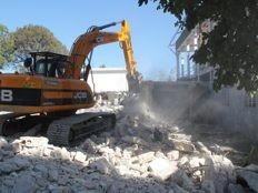 Haïti - Reconstruction : Travaux de démolition à l'Hôpital Général