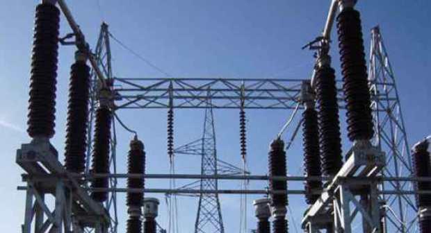"""عمال الطاقة بأكادير يحتجون على """"تفويت"""" قطاع الكهرباء لشركات التدبير المفوض"""