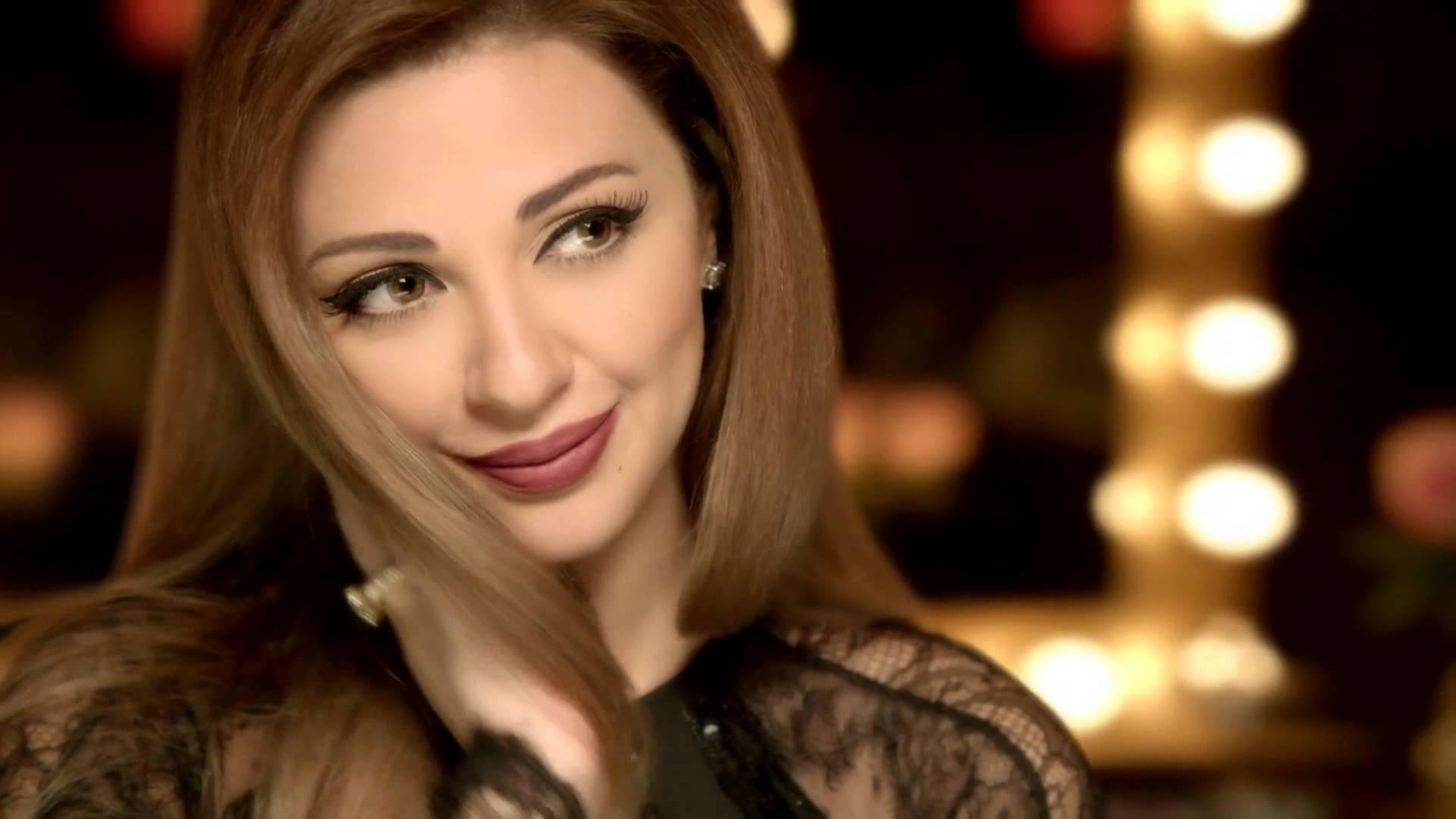 بسبب وفاة والدها : ميريام فارس تردّ على منتقدي رقصها بمراكش