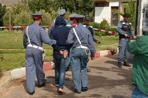 سيدي إفني : إعتقال شاب بعد عرضه مسدسين للبيع وهاته هي التفاصيل