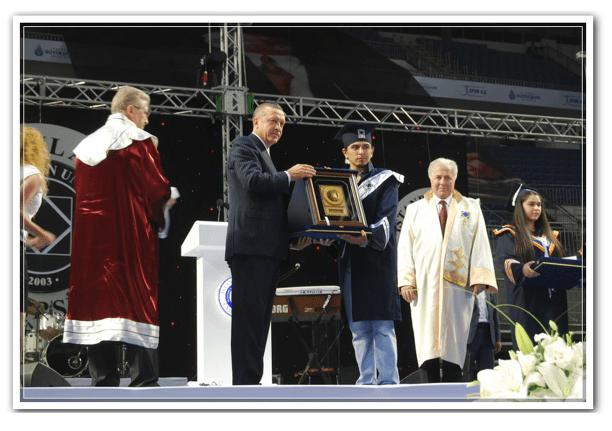 2011 yılında birincilik ödülümü Sayın Cumhurbaşkanımız, Recep Tayyip ERDOĞAN'dan alırken, İstanbul Aydın Üniversitesi (IAU) 2011 Mezuniyet Töreni
