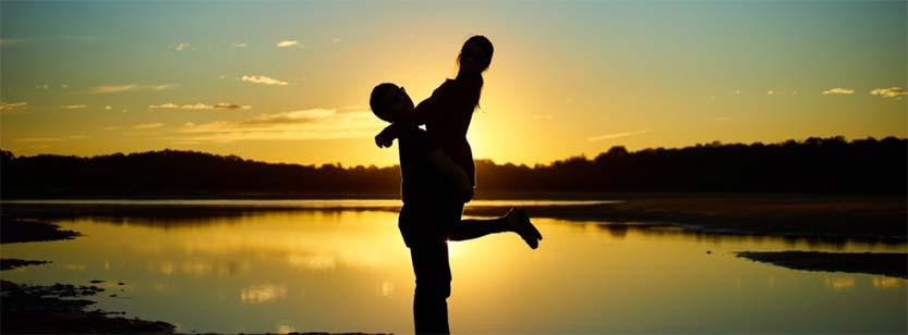 Dale a tu pareja las buenas noches con frases románticas