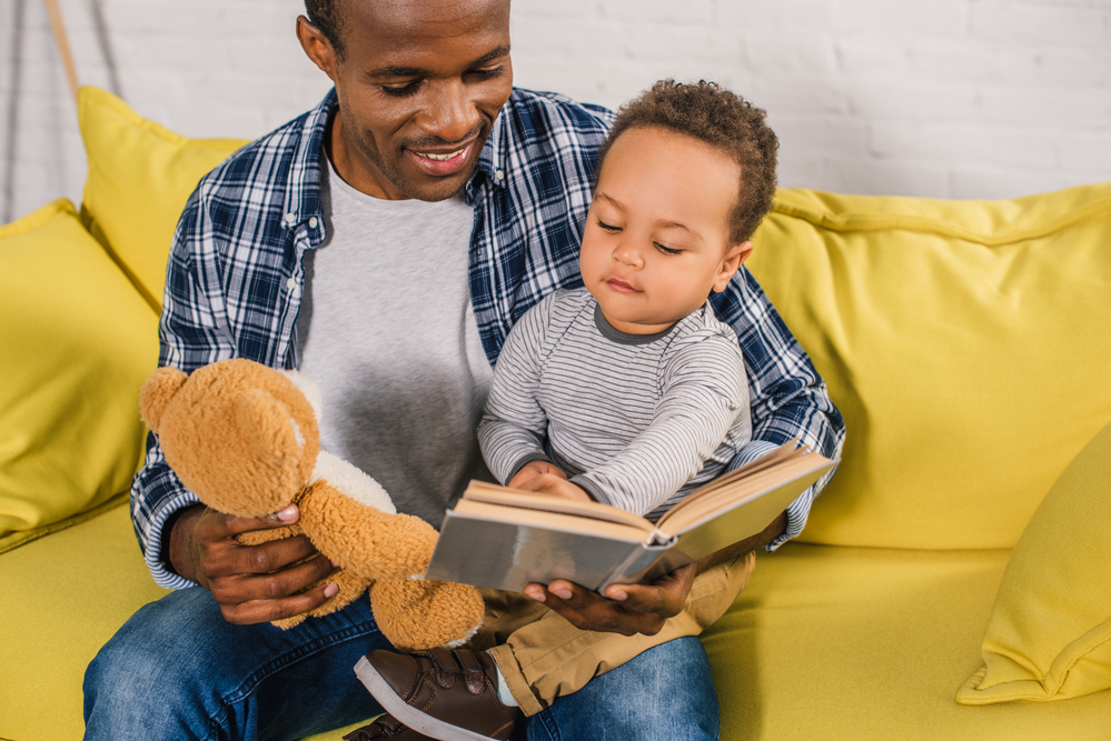 When To Introduce Books To Young Children