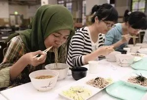 more-japanese-university-cafeterias-offer-halal-washoku-cuisine-01