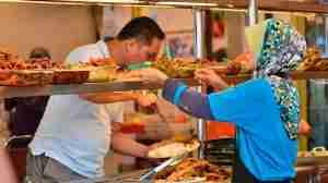 muslim-lady-preparing-halal-food