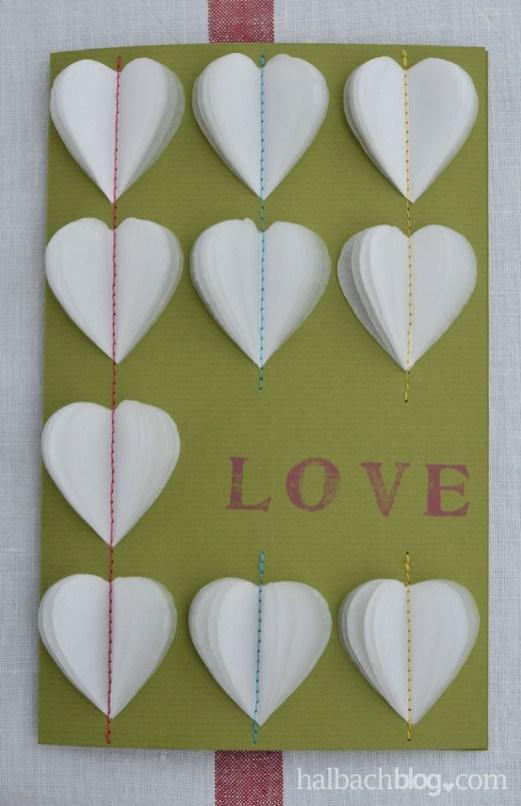 halbachblog DIY-Idee: Karten basteln zum Valentinstag mit aufgenähten Papierherzen