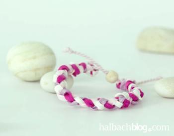 DIY-Idee halbachblog: geflochtenes Armband in matter Baumwolloptik