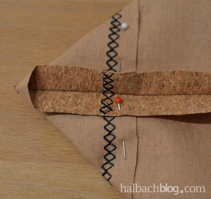 DIY-Tutorial halbachblog: Shopper nähen aus Korkstoff, Ecke abstecken