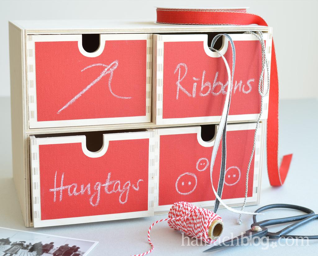 DIY halbachblog: Schubladenbox mit selbstklebendem Tafelstoff in Rot bekleben