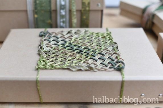 DIY-Idee Halbachblog: Geschenke verpacken mit Bändern; gewebtes Quadrat