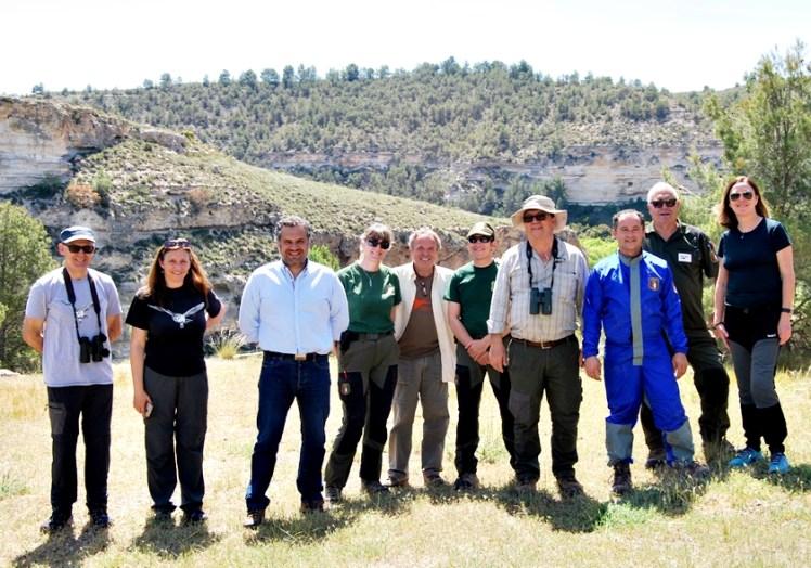 Foto JCCM Albacete / Visita Equipo Especializado en protección de crías del águila perdicera