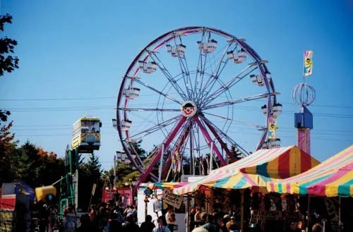 A large ferris wheel providing riders with a lovely view of Haldimand County
