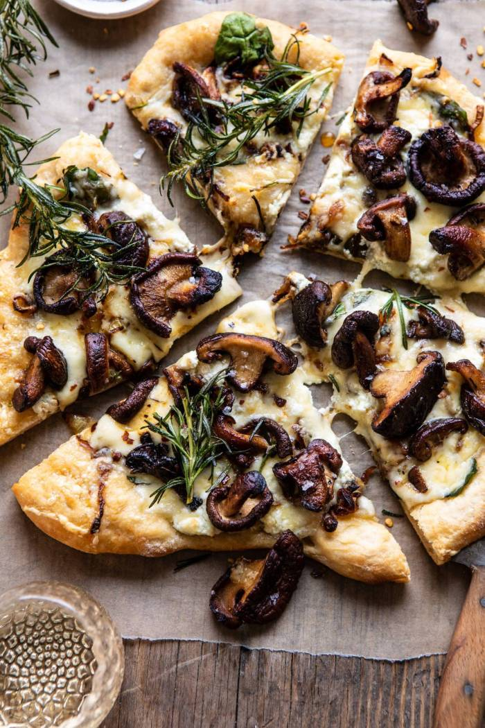 overhead close up photo of French Onion Mushroom Pizza