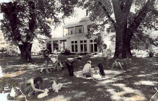 bowen-at-the-kent-house.jpg