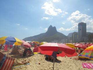 Brazilian Beach Etiquette: How To Blend In