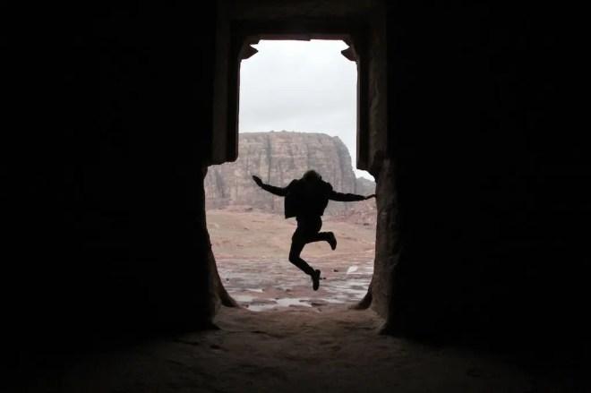 Urn Tomb Silhouette Petra