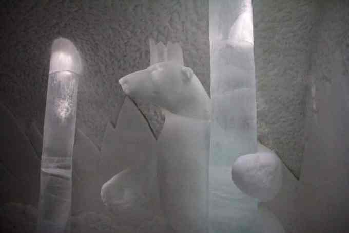 Kiruna Ice Hotel Art Room 2-1