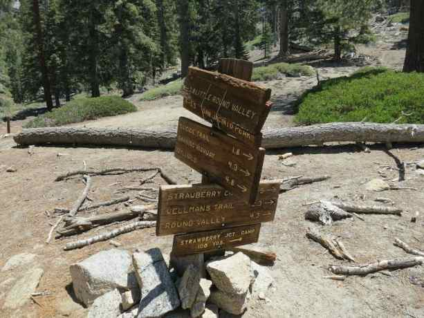 Trail Junction Sign PCT