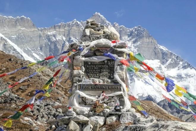 Fallen Hiker Monument Himalaya