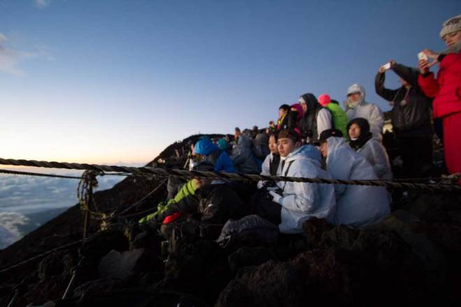 Mount-Fuji-Summit-Crowd