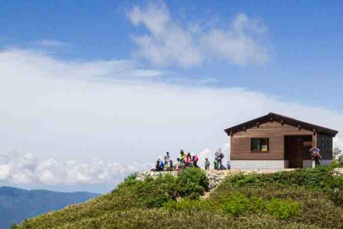 Japan-Mount-Haku-Hut