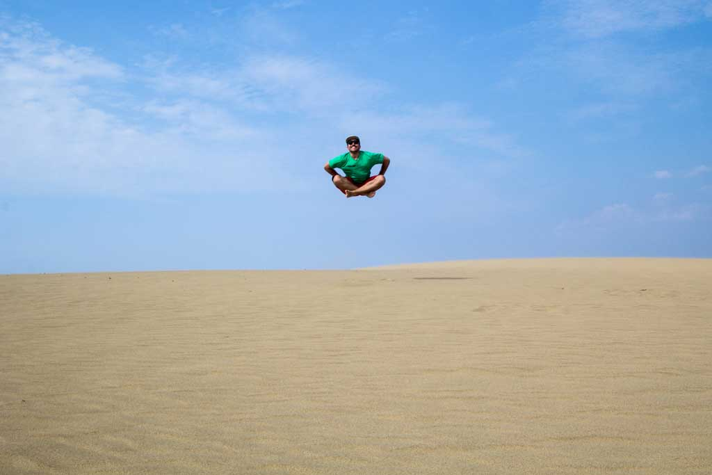 Japan-Tottori-Sand-Dunes-Self