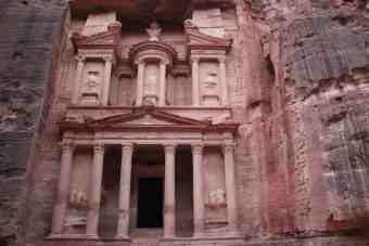 Jordan-Petra-Treasury-Morning