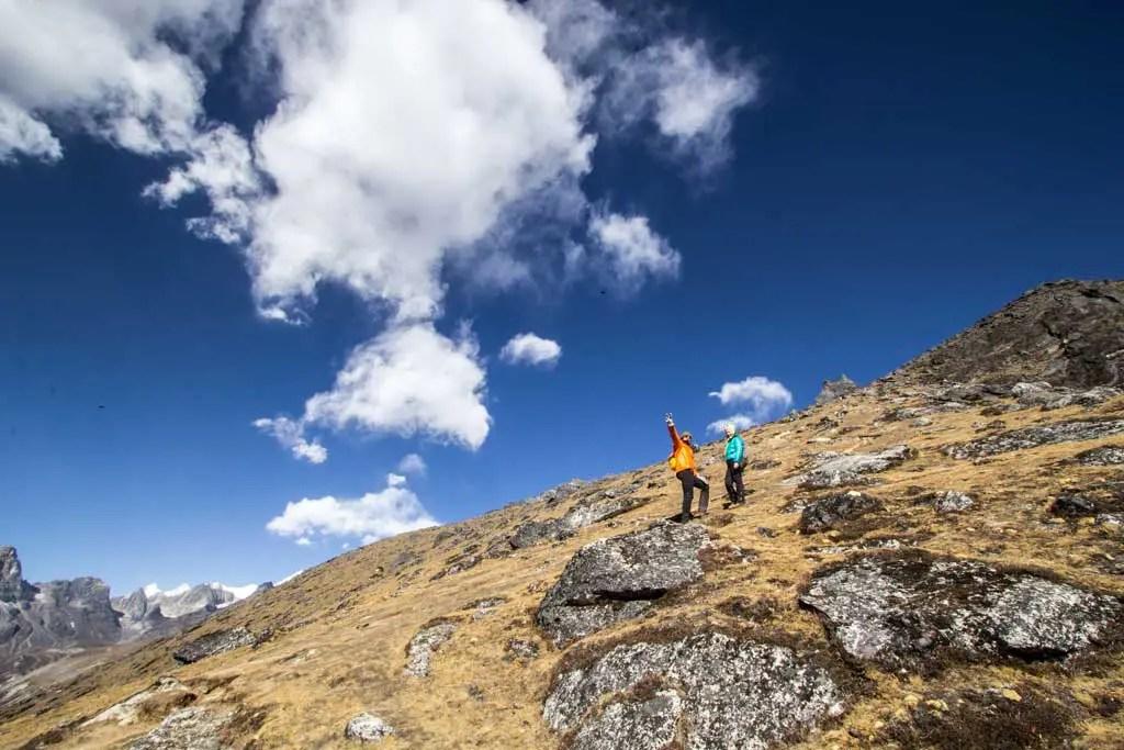 Nepal-Dingboche-Hikers