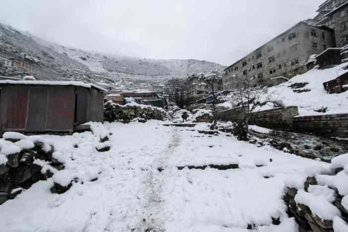 Nepal-EBC-Namche-Bazaar-Snow-Trail